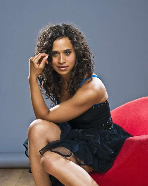 Angel Coulby Birthday, Real Name, Age, Weight, Height