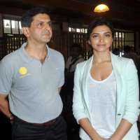 Deepika Padukone Birthday, Real Name, Age, Weight, Height ...
