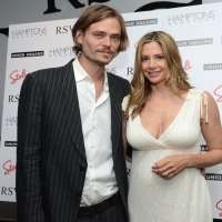 Mira Sorvino Husband Christopher Backus