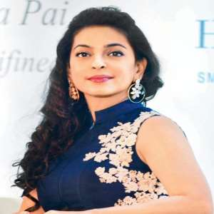 Juhi Chawla Birthday, Real Name, Age, Weight, Height, Family