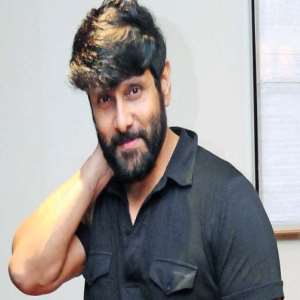 Vikram Birthday, Real Name, Age, Weight, Height, Family, Contact