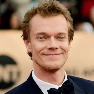 Alfie Allen Birthday, Real Name, Age, Weight, Height, Family