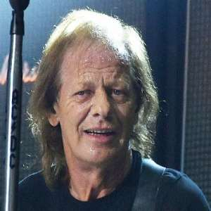 Stevie Young Birthday Real Name Family Age Weight Height