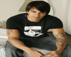 karan singh grover birthday real name family age weight height wife children bio more. Black Bedroom Furniture Sets. Home Design Ideas